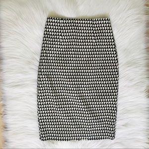 Banana Republic Black & White Geometric Skirt